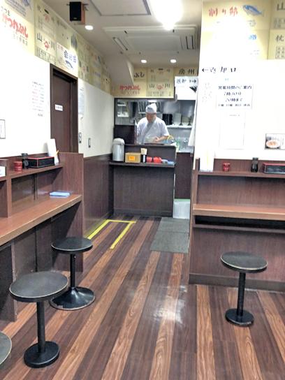 200226そばよし京橋厨房作成中.jpg