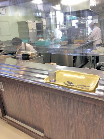 200731中央区役所食堂厨房作成中.jpg