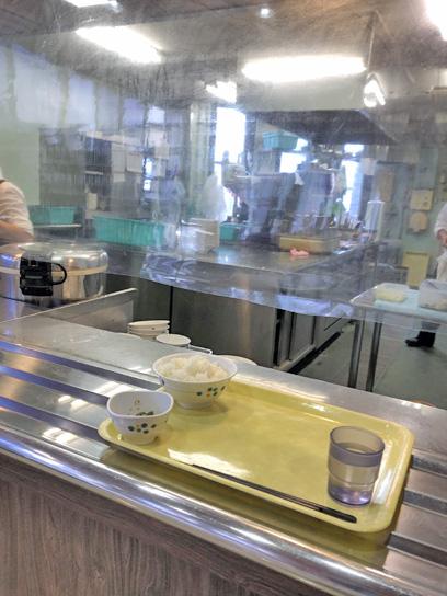201021職員食堂厨房作成中.jpg