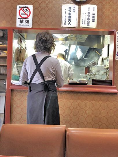 201201曙軒厨房作成中2.jpg