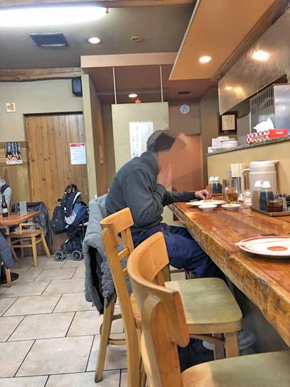 201220亀餃店内.jpg