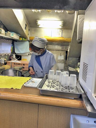 201220都そば高砂厨房作成中.jpg
