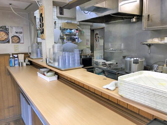 210426笠置深川厨房作業中.jpg