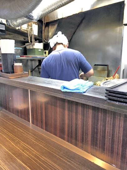 210509文殊浅草厨房作成中.jpg
