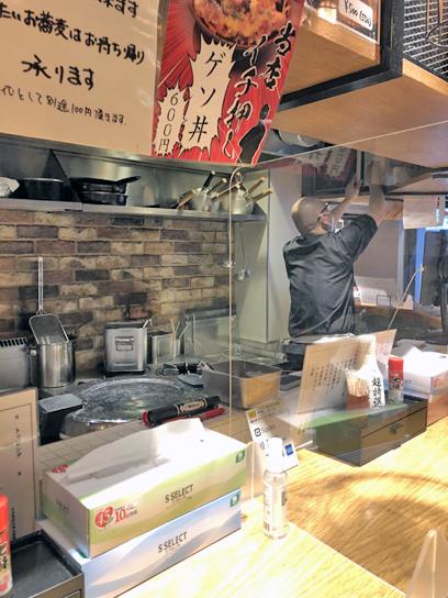 210513一久厨房作成中.jpg